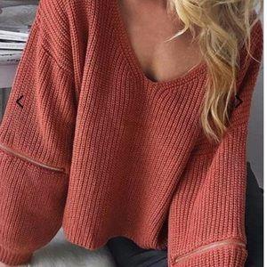 Tops - Zipper sleeve sweater